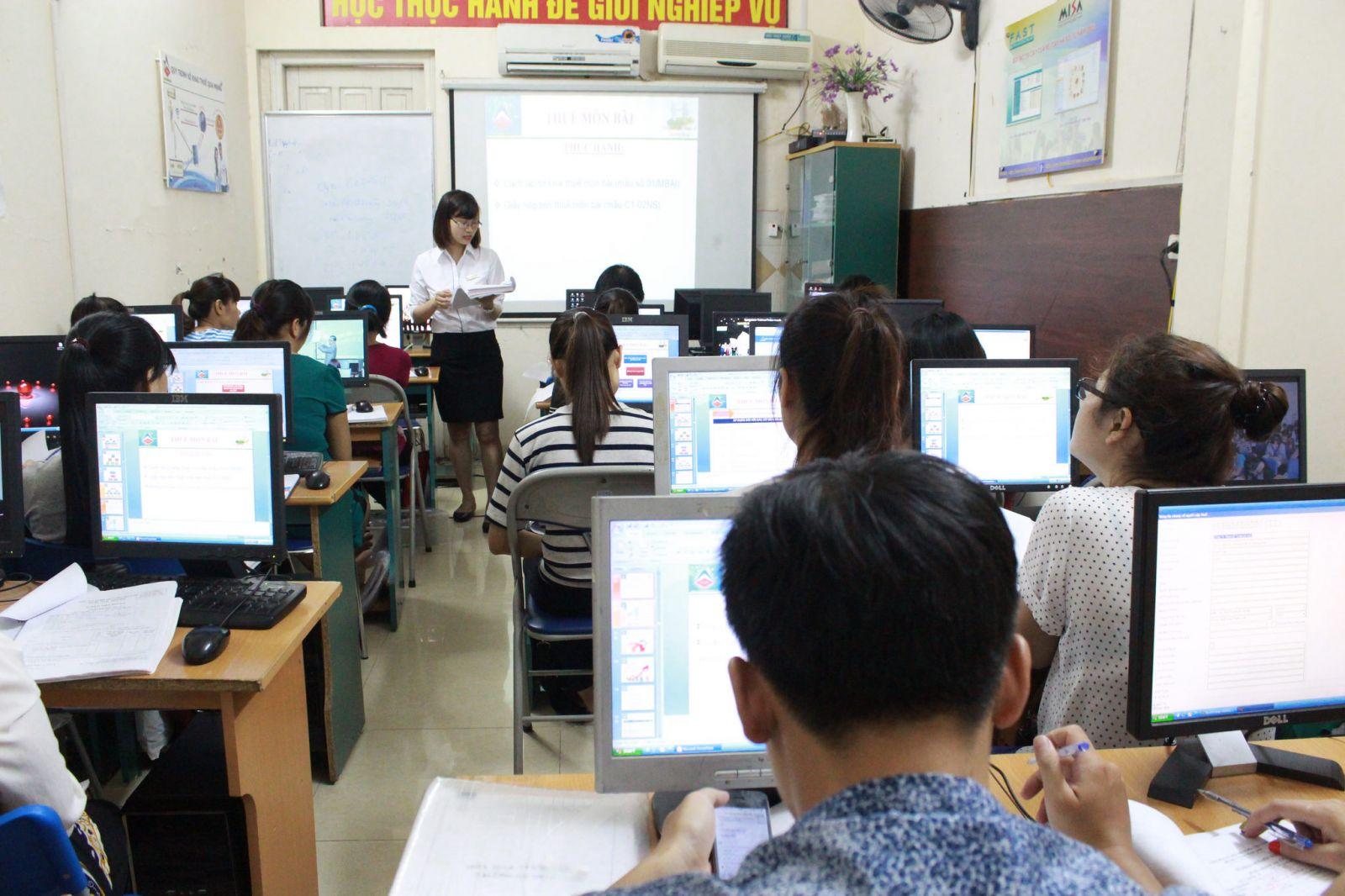 Nơi đào tào trung cấp kế toán tốt - Trường Trung Cấp Sài Gòn