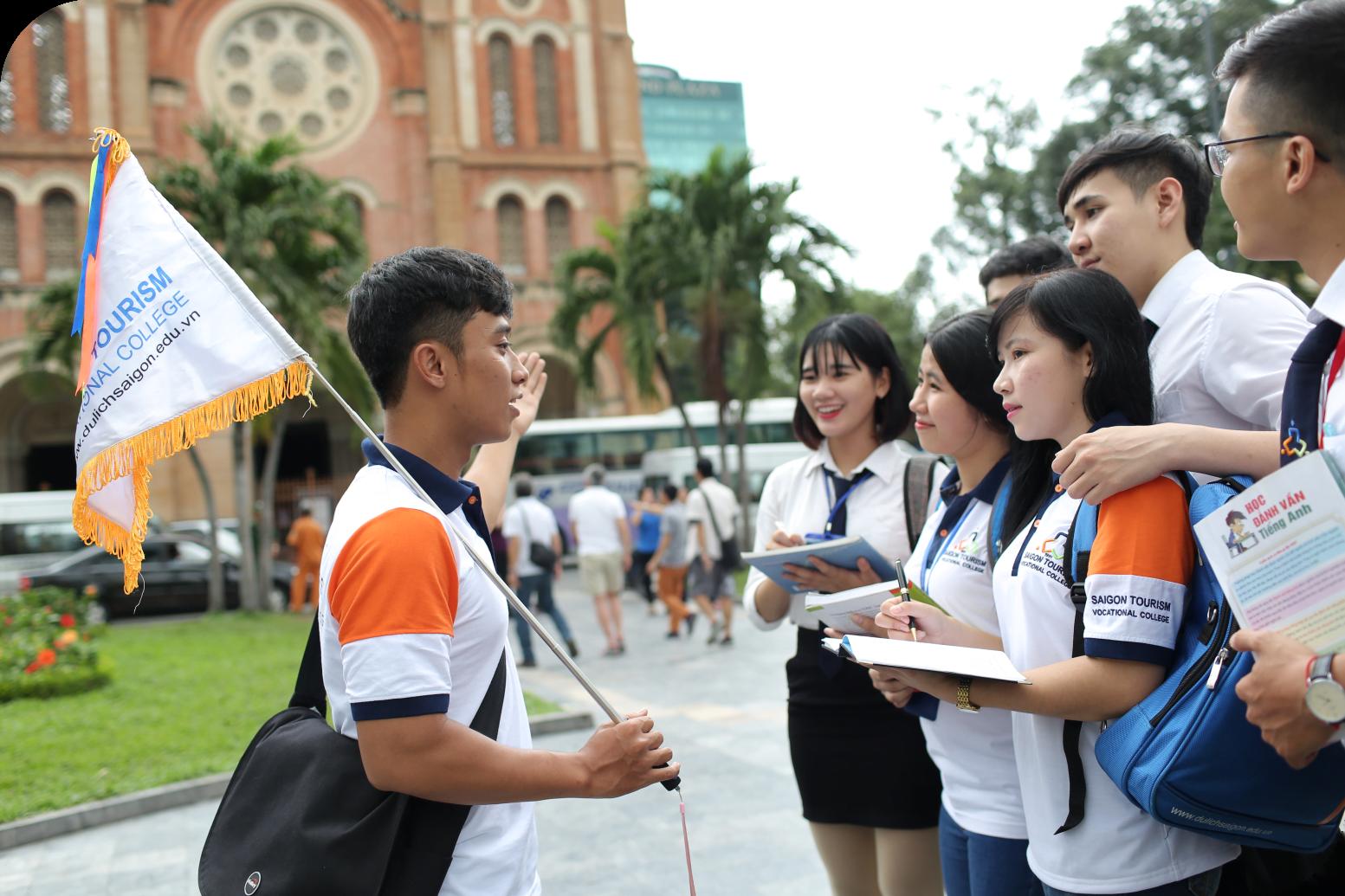 Bạn có thể làm hướng dẫn viên du lịch với vốn ngoại ngữ tốt