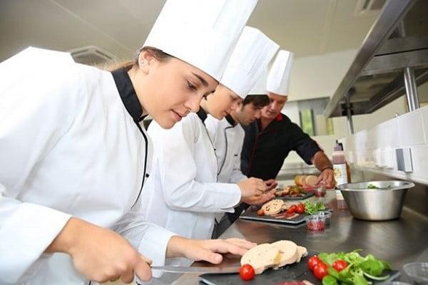 Ngành kỹ thuật nấu ăn đa dạng đối tượng tuyển sinh