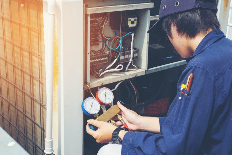 Ngành học liên quan đến việc sửa chữa, vận hành các thiết bị máy móc làm nóng, làm lạnh