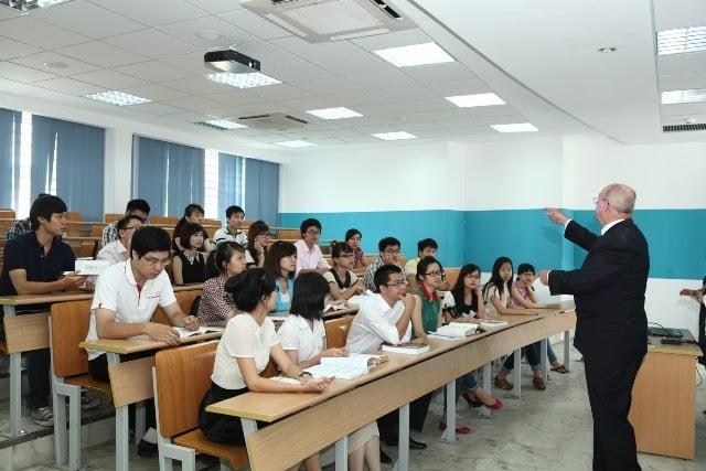 Hệ đào tạo chính quy và tại chức là 2 hệ đào tạo được rất nhiều người quan tâm