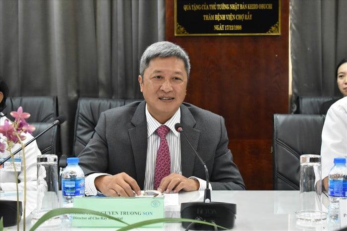 Thú trưởng bộ ý tế Nguyễn Trường Sơn